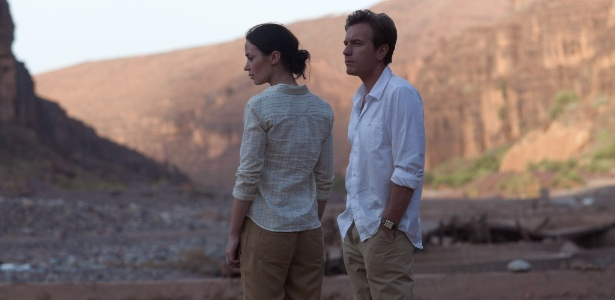 Emily Blunt e Ewan McGregor em cena do filme Amor Impossvel, de Lasse Hallstrm