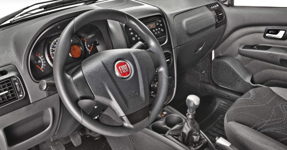 """""""Pelada"""", a Working é só opcionais: airbag duplo, freios ABS, direção hidráulica, ar-condicionado, faróis de neblina e rádio são alguns deles"""