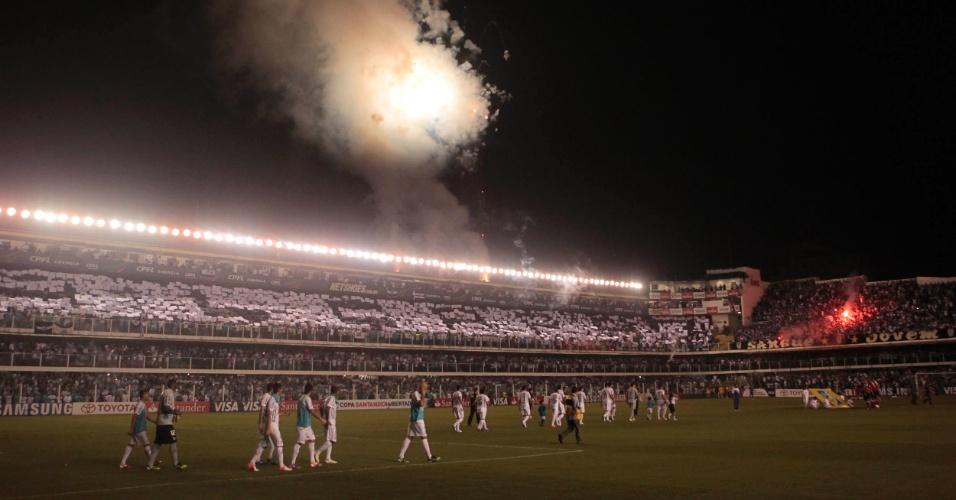 Foguetório marcou a entrada do Santos em campo no jogo contra o Corinthians