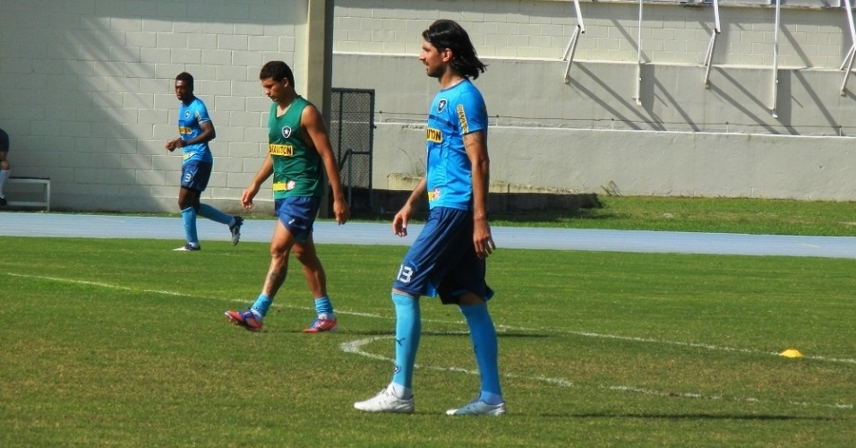 Loco Abreu no se abateu com a barrao, mas Bota est de olho em uruguaio