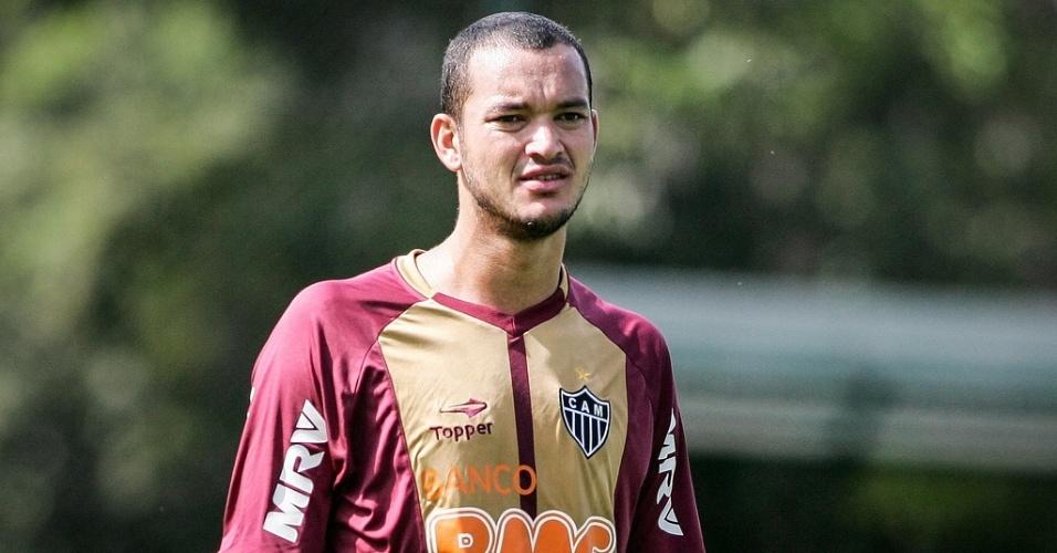 Réver participa de treino do Atlético-MG na Cidade do Galo (8/6/2012)
