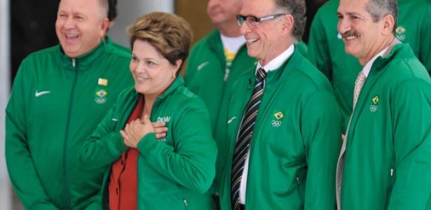 Dilma Rousseff com alguns atletas no Palácio do Planalto; ciclo atual é o mais rico da história brasileira