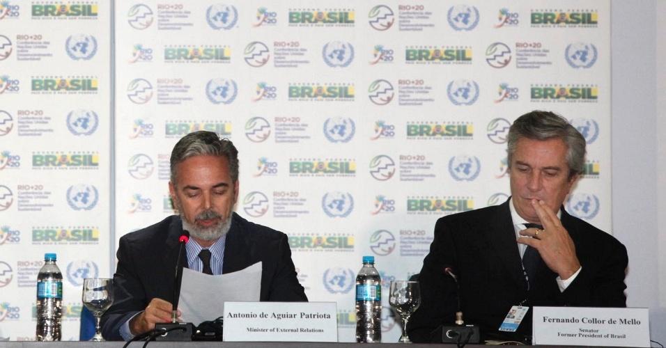 15.jun.2012 - Da esquerda para direita: Sha Zukang, secretário geral da Rio+20, Antônio de Aguiar Patriota, Ministro das relações Exteriores) e Fernando Collor de Mello durante cerimônia  em homenagem a Eco 92