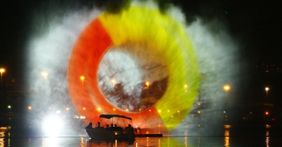 15.jun.2012 - Festival de luzes e cores na lagoa Rodrigo de Freitas será realizado durante a Rio+20,Conferência da ONU sobre Desenvolvimento Sustentável. Em uma tela d'água de 600m2, serão exibidos curtas, animações, fotografias, trailers e videoclipes