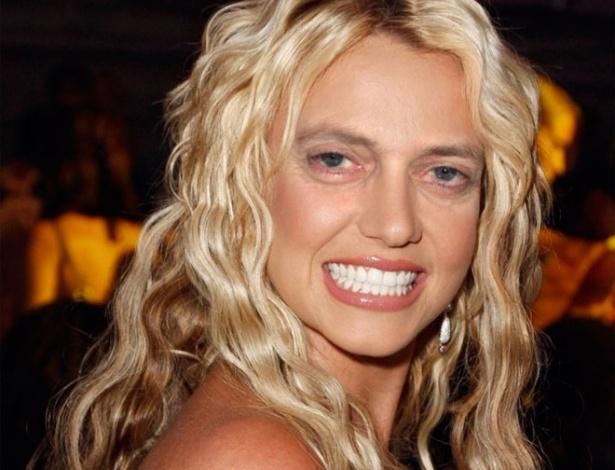 Acrescentar olhos de Steve Buscemi - Os olhos ator americano, dos filmes ''Cães de Aluguel'' e ''Pulp Fiction'', foram parar em montagens substituindo os olhos originais das celebridades. Na foto, a cantora Britney Spears
