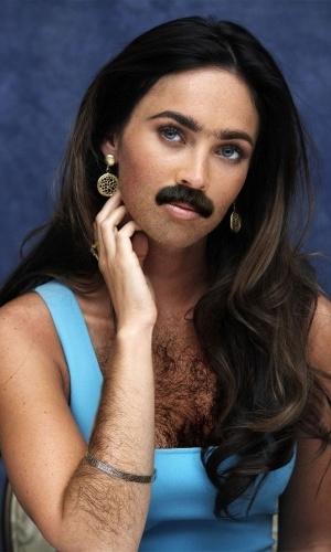 Colocar barba e peito peludo... nas mulheres - Para deixar beldades feias, nada como acrescentar digitalmente uma barba bem grossa e volumosa, além de deixá-las com o peito ''cabeludo''. Megan Fox, na imagem acima, foi uma das ''vítimas'' da maldade alheia no Photoshop
