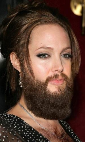 Colocar barba e peito peludo... nas mulheres - Para deixar beldades feias, nada como acrescentar digitalmente uma barba bem grossa e volumosa, além de deixá-las com o peito ''cabeludo''. Olha só como ficou a atriz Angelina Jolie.