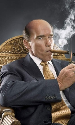Deixar careca - Outra brincadeira comum na internet é deixar as celebridades sem cabelo. Na imagem alterada, o ator e ex-governador da Califórnia Arnold Schwarzenegger