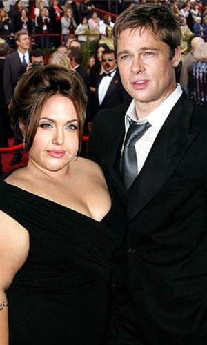 Engordar - Para brincar com a imagem das celebridades, alguns sites tratam de mostrar como elas seriam caso ganhasse um peso extra. Na imagem, o casal Angelina Jolie e Brad Pitt