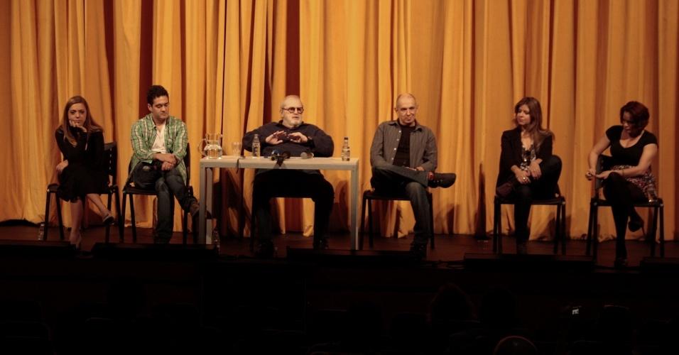 """Evento para imprensa reúne elenco e direção do espetáculo """"Atreva-se"""" no Teatro das Artes, em São Paulo (15/6/12)"""