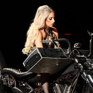 Lady Gaga faz show em Bangcoc, na Tailândia (25/5/12)