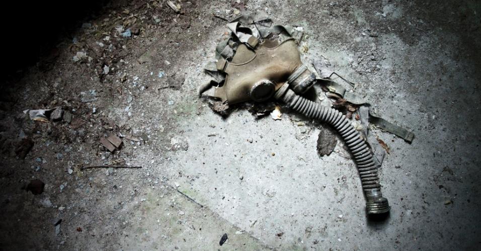 Máscara de gás foi abandonada na cidade em que a usina de Chernobyl sofreu acidente