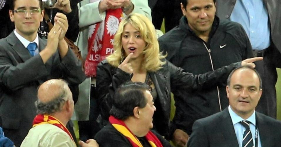 Namorada do zagueiro Piqué, cantora Shakira marcou presença na goleada da Espanha sobre a Irlanda em Gdansk pela Eurocopa (14/06/12)