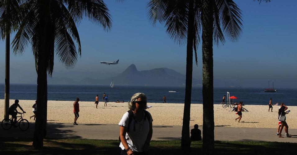 16.jun.2012 - Praia do Flamengo no sábado (16), dia de Rio+20