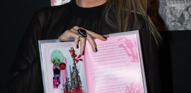 Eliana lança o livro