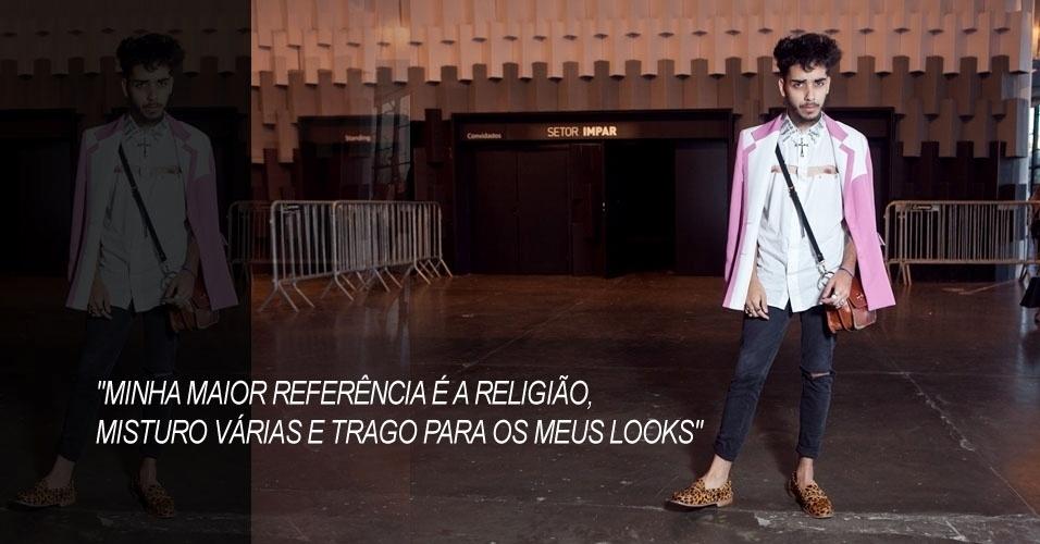 Jeff Ferrari, 19, stylist, usa camisa Jeff Ferrari, calça vintage, casaco de brechó, bolsa Carmin e sapato Laundry (16/06/2012)