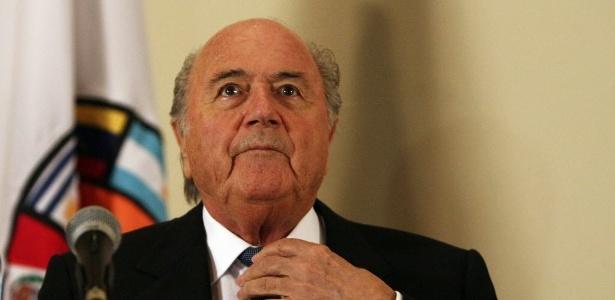 Joseph Blatter participa de evento em homenagem aos 50 anos da Copa no Chile