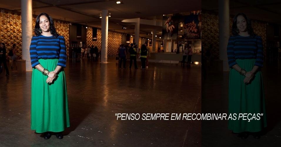 Luciana Braga, 28, assessora de comunicação, blusa e sapato Zara, saia Topshop, brinco Aldo, pulseiras compradas na Argentina, relógio Casio (16/06/2012)