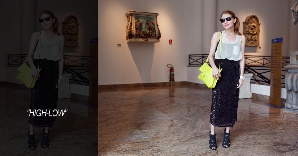 Renata Piza, 33, jornalista, veste saia Reinaldo Lourenço, blusa Osklen, bolsa e sapato Zara, óculos Ray-Ban (15/06/2012)