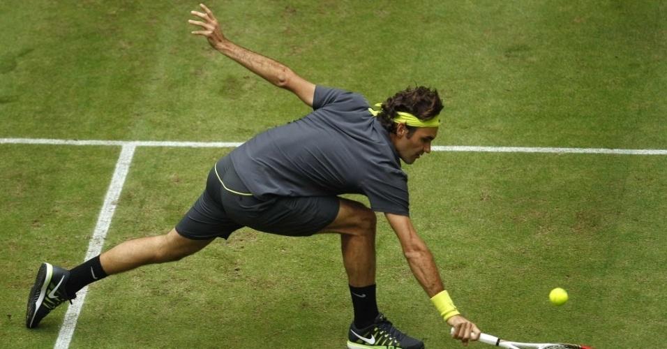 Roger Federer mostrou toda a sua categoria e habilidade na grama na semifinal em Halle