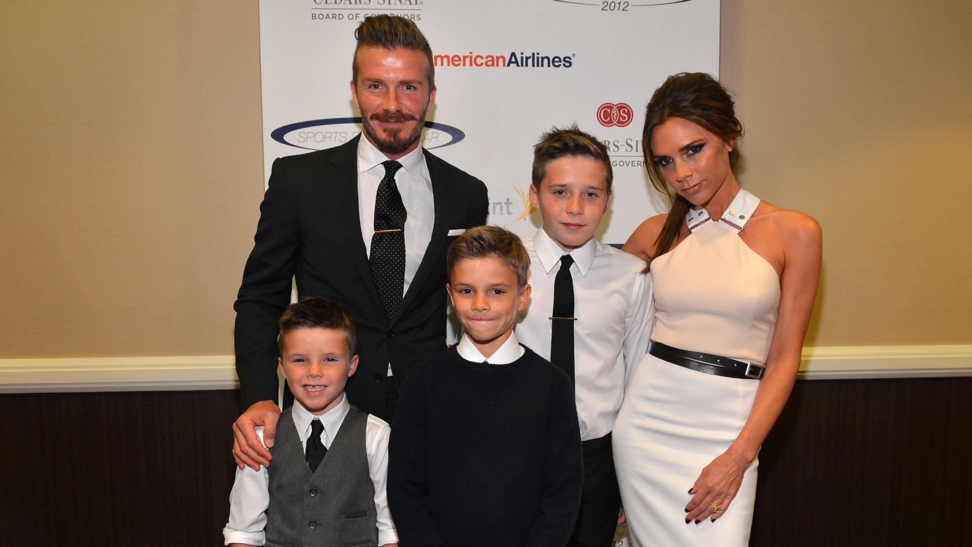 A família Beckham participa de evento esportivo beneficente em Century City, na Califórnia (20/5/12)