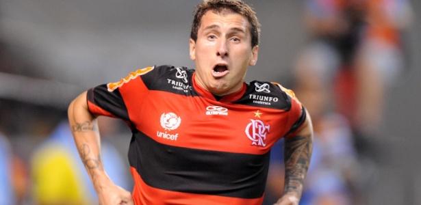 Bottinelli não renovará com o Flamengo e pode parar no River Plate