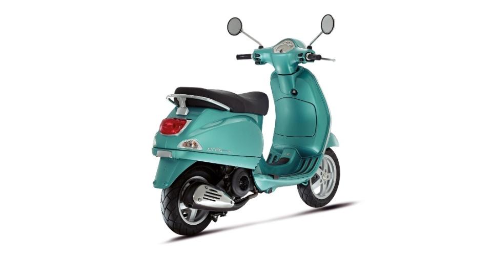 A Vespa LX relembra os primeiros modelos do scooter italiano
