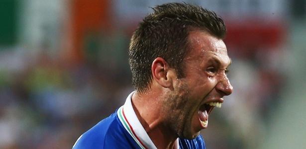Cassano fez o primeiro gol da vitória italiana por 2 a 0 sobre a Irlanda