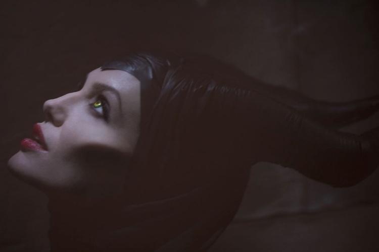 Angelina Jolie como Malévola no filme