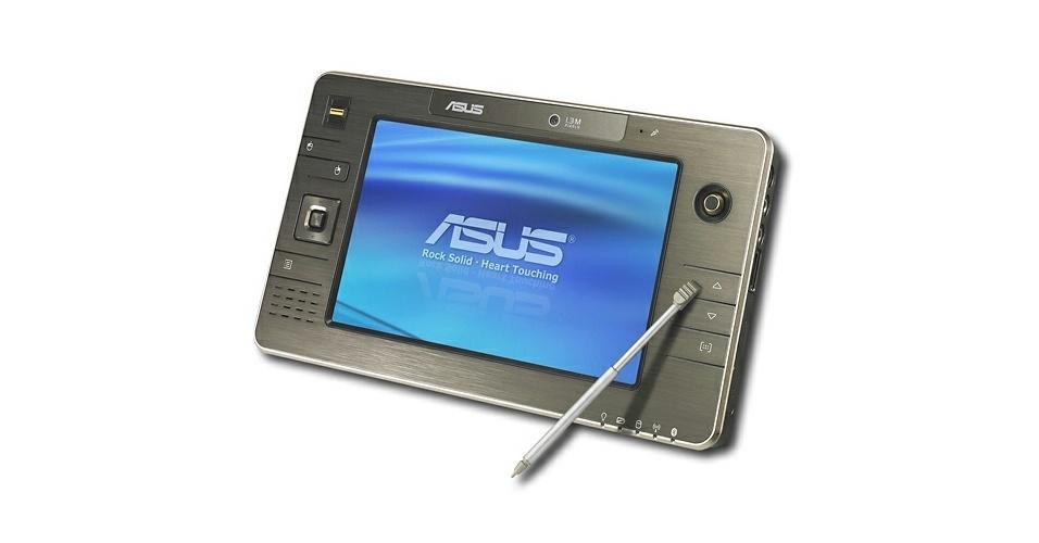 Asus R2E tinha tela sensível ao toque de 7 polegadas, HD de 80 GB, GPS e câmera de 1,3 megapixels