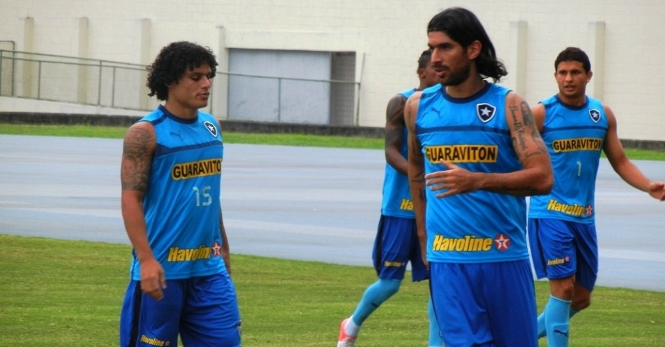 Loco Abreu quer sair, mas sem pagar multa rescisria e Bota exige dinheiro