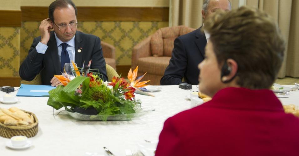 20.jun.2012 - Dilma Rousseff almoça com o presidente da França, François Hollande, após encontro na Rio+20, Conferência da ONU sobre Desenvolvimento Sustentável