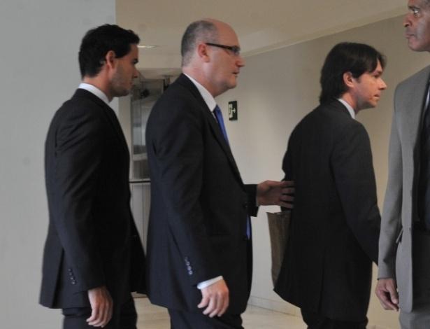 20.jun.2012 - Juiz Paulo Augusto Moreira Lima (esquerda), que deixou o cargo