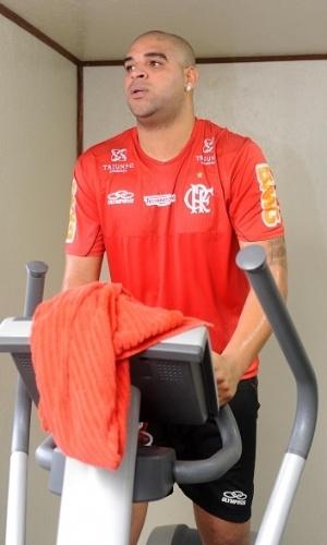 Adriano se exercita e dá sequência ao trabalho para recuperação de cirurgia no tendão calcâneo (20/06/2012)