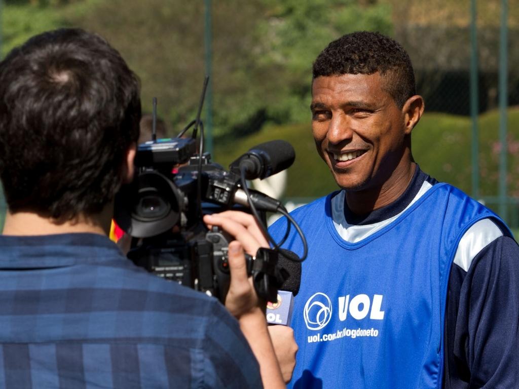 Axel, ex-volante de São Paulo e Santos