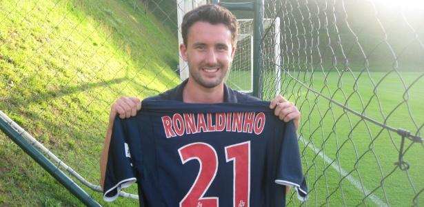"""Francês Kevin Chevalieri, torcedor do PSG: """"sempre gostei do futebol do Ronaldinho"""""""