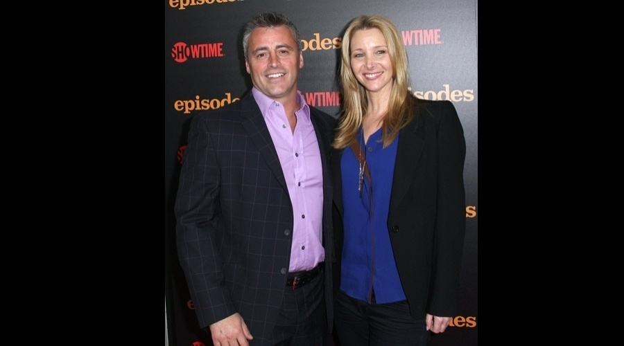 """Lisa Kudrow e Matt LeBlanc se reencontram na última terça durante o lançamento da segunda temporada da série """"Episodes"""", nos Estados Unidos (20/6/12)"""