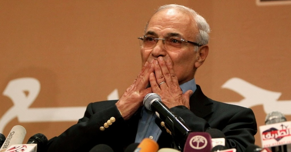 21.jun.2012- Ex-premiê do regime de Hosni Mubarak  Ahmed Shafiq