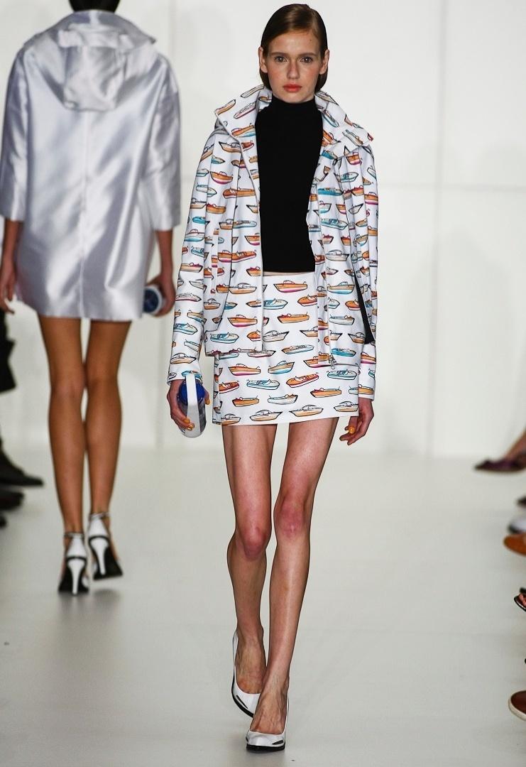 As estampas figurativas são uma das tendências do Verão 2013, como no look invernal de Reinaldo Lourenço