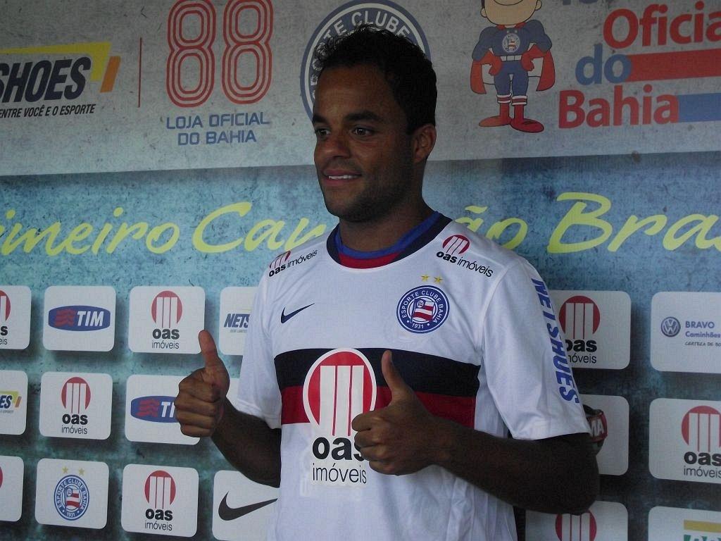 Meia Mancini é apresentado como novo reforço do Bahia (21/06/2012)