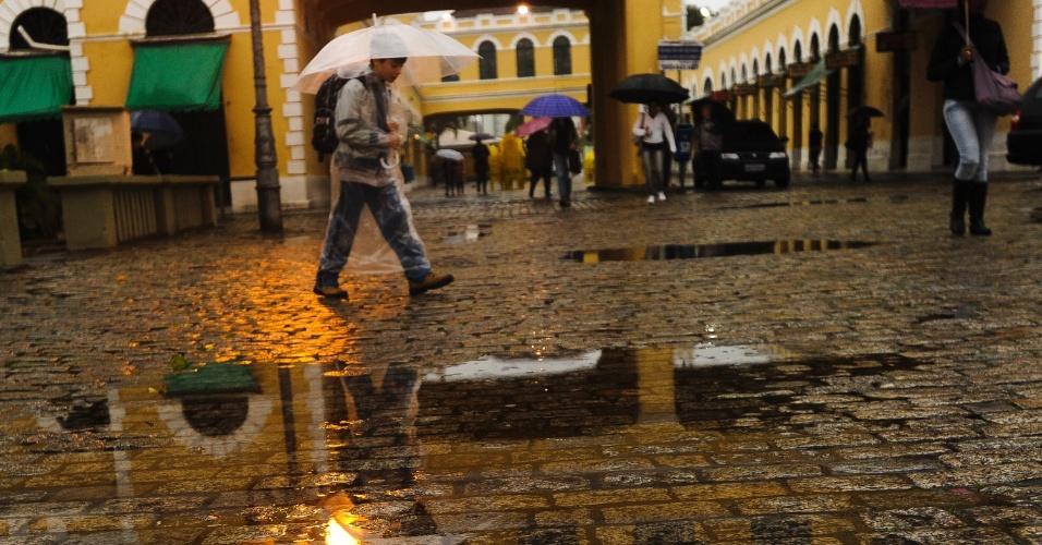 22.jun.2012 - Chuva em Florianópolis (SC)
