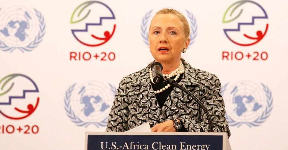 22.jun.2012 - Hillary Clinton participa do &#250;ltimo dia da Rio+20, representando o presidente dos Estados Unidos, Barack Obama