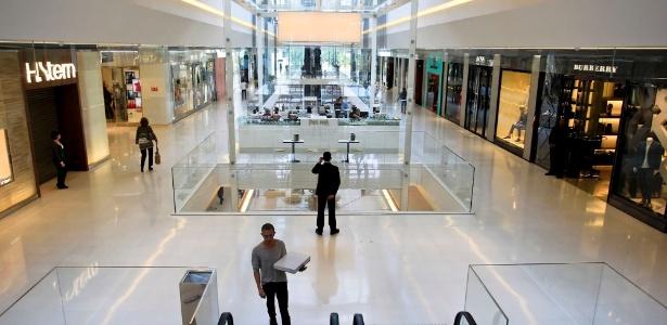 Área interna do Shopping JK Iguatemi, novo reduto do luxo no bairro do Itaim Bibi, em São Paulo (22/06/2012)