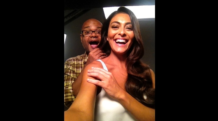 Juliana Paes divulgou imagem de bastidor de ensaio fotogrfico (22/6/12)