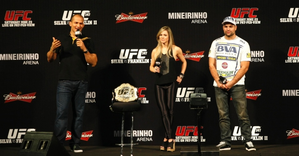 Junior Cigano e Mauricio Shogun falam em coletiva antes das pesagens do UFC BH