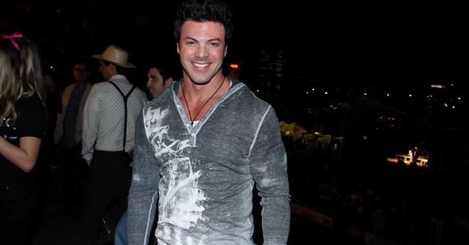 O ator Marcos Mastronelli curtiu festa junina no Jockey Club, em São Paulo (22/6/12). A festa foi organizada pela Ong Florescer