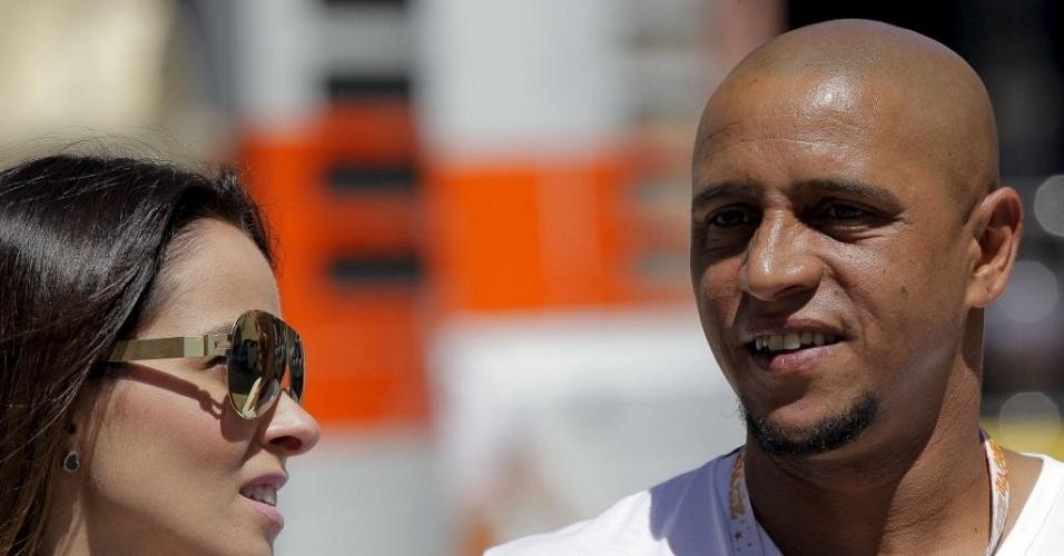 Brasileiro Roberto Carlos acompanhou o treino classificatório do GP da Europa, em Valência