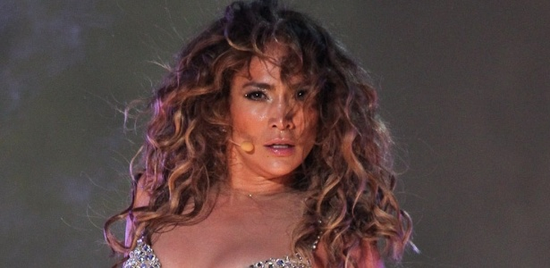 Jennifer Lopez no palco do Pop Music Festival, em São Paulo (23/6/12)
