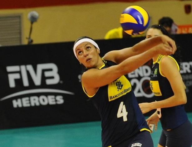 Paula Pequeno foi um dos destaques da seleção brasileira na fácil vitória sobre Porto Rico