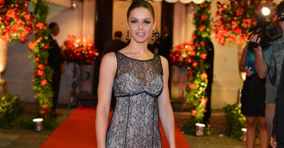 Bianca Rinaldi vai ao casamento da atriz Luma Costa, realizado no centro do Rio (23/6/12)